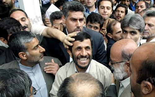 رحیمی: خداوند متعال احمدینژاد را از دل چاه بیرون کشید و به مانند یوسف در راس امور قرار داد